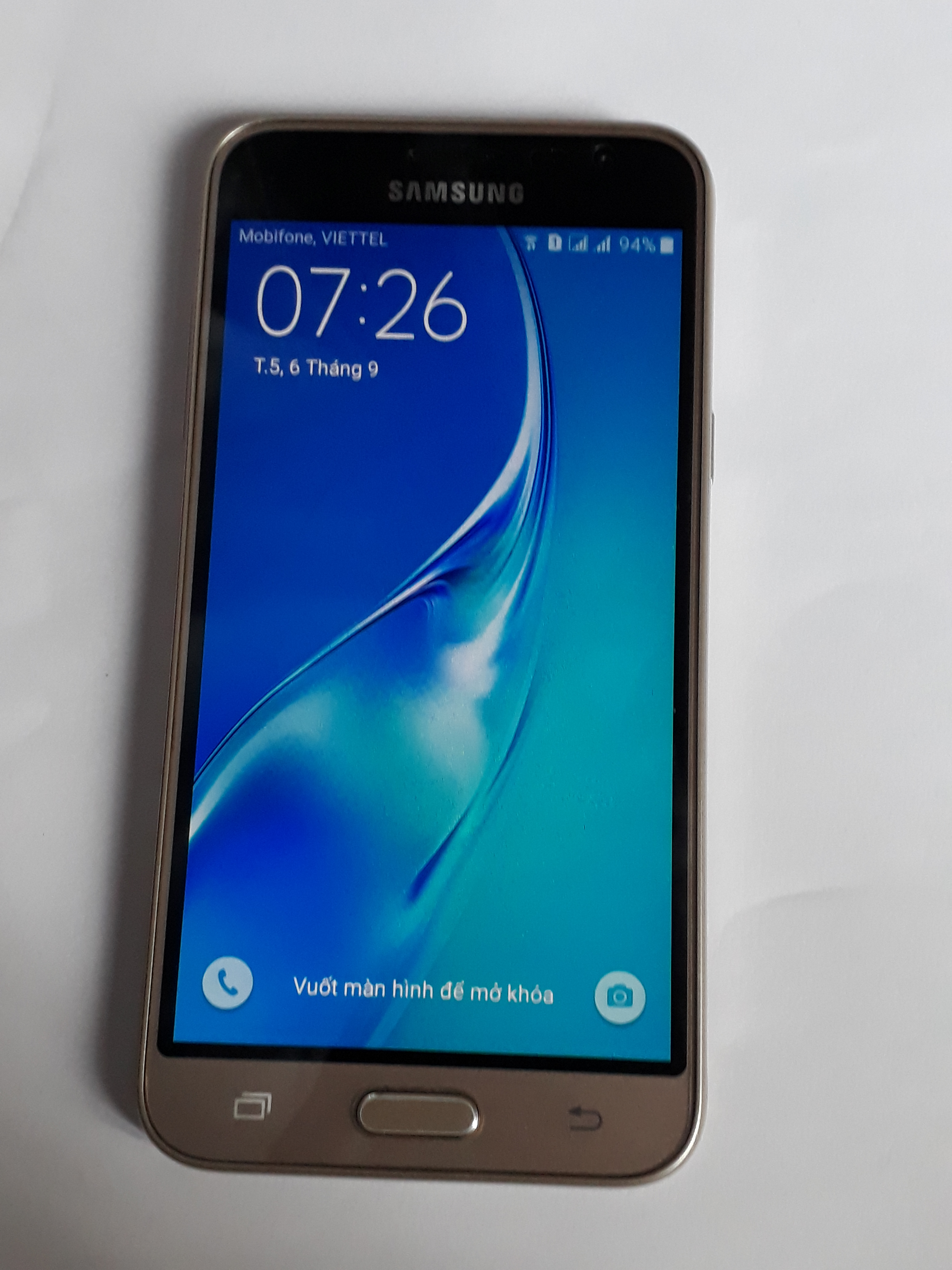 Samsung Galaxy J3 (2016) SM-J320G 8GB Gold ...