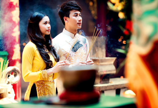 Image result for đi chùa cầu may