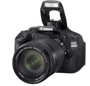Canon EOS 600D (EOS Rebel T3i / EOS Kiss X5) (18-135mm F3.5-5.6 IS) Lens Kit