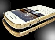 Goldstriker BlackBerry 9900 24ct Gold & Crystal Edition
