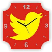 Zeeshaan Flying Pigeon Analog Wall Clock