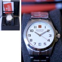 Đồng hồ đeo tay Swiss Military White Tomax