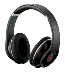 Monster Beats by Dr Dre Studio High Definition Powered Isolation Headphones