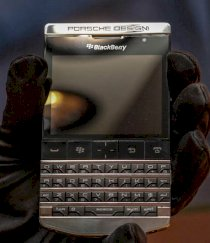 BlackBerry Porsche Design P'9981 Limited Edition Titanium