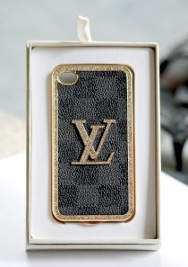 Ốp lưng iPhone 4/4S LV (Louis Vuitton) da đính đá North 6192