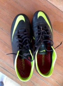 Nike mercurial Cleats Used To By My Son For One Season, Size 9